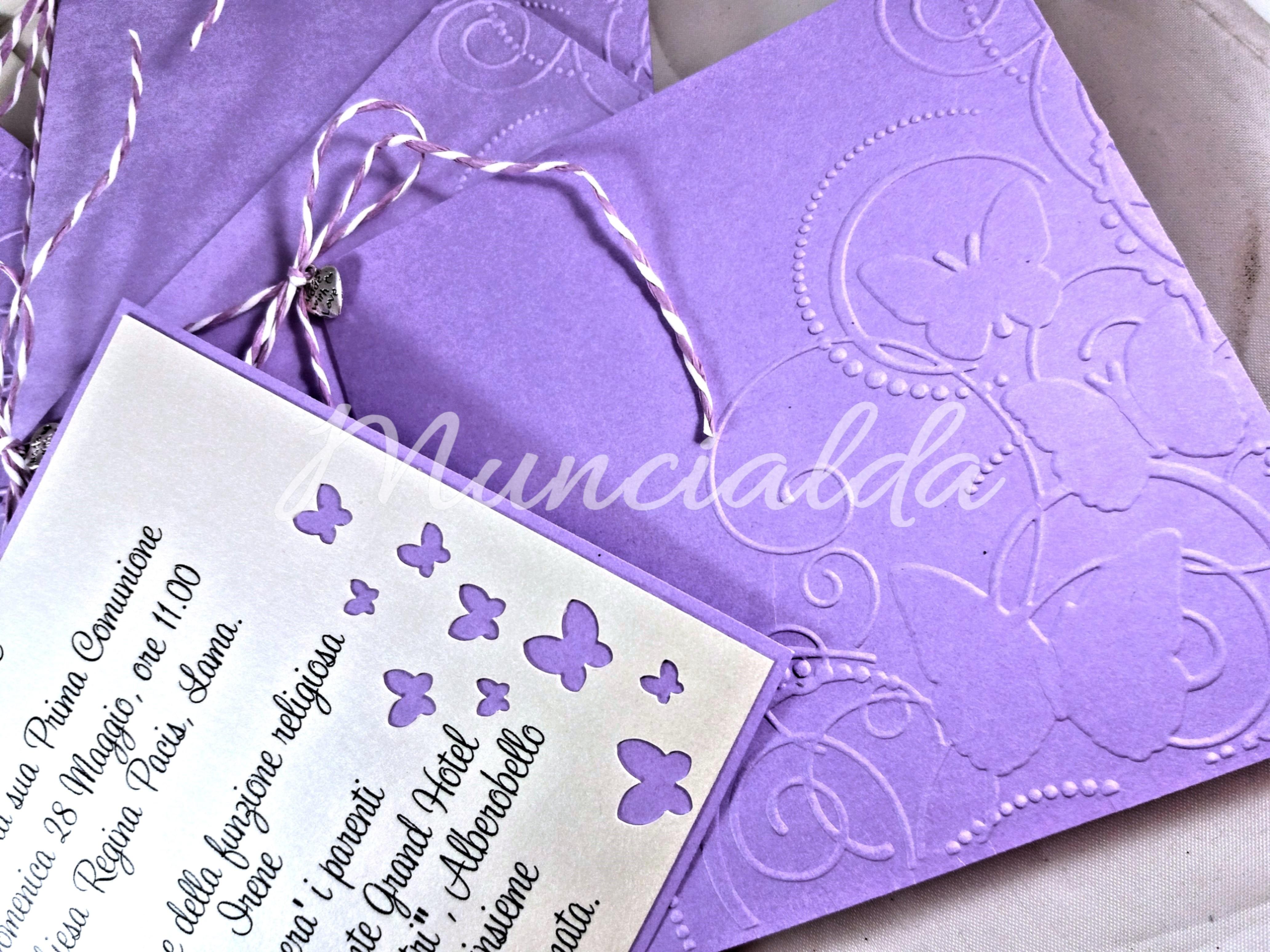 """Partecipazioni Comunione """"Farfalle"""" in avorio e lilla"""