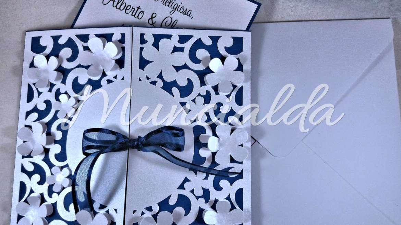 Matrimonio In Blu E Bianco : Inviti per matrimonio blu e bianco perlato muncialda
